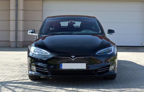 classycar_wynajem_wypożyczalnia_samochodów_Tesla_sp100d_1