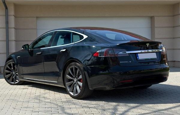 classycar_wynajem_wypożyczalnia_samochodów_Tesla_sp100d_2