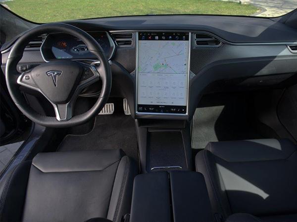 classycar_wynajem_wypożyczalnia_samochodów_Tesla_sp100d_3
